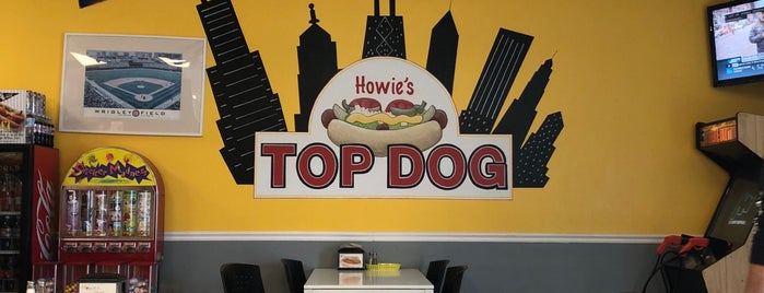 Howie's Top Dog is one of Miami ☀️🌊🚤.