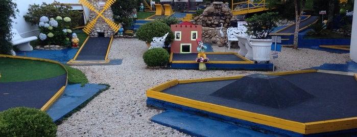 Mini Golf is one of Os melhores passeios em Campos do Jordão.
