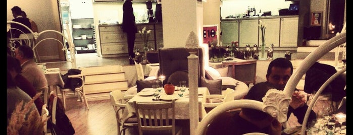Преди 10 (Before 10) is one of Eat in Sofia.