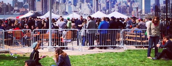 Smorgasburg Williamsburg is one of Favoritos em New York.