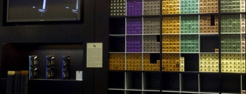 Nespresso Boutique is one of cosas hechas.