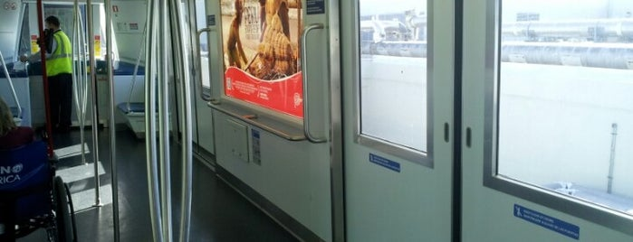 Skytrain is one of Viajes.