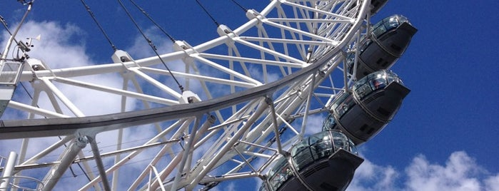 The London Eye is one of Londres.