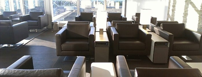 SWISS Business Lounge is one of Salas VIP-Lounges.