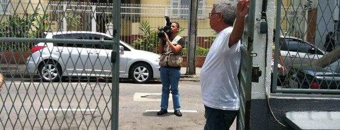 Colégio Qi is one of Empresas e Estabelecimentos de Botafogo RJ.