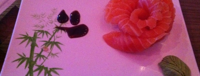Temaky Express & Lounge is one of Top picks for Sushi in Porto Alegre.