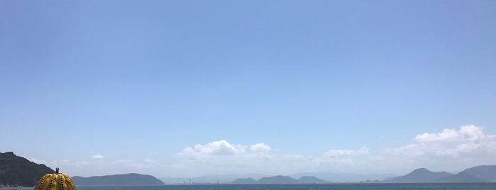 Naoshima is one of relaxation and contemplation.