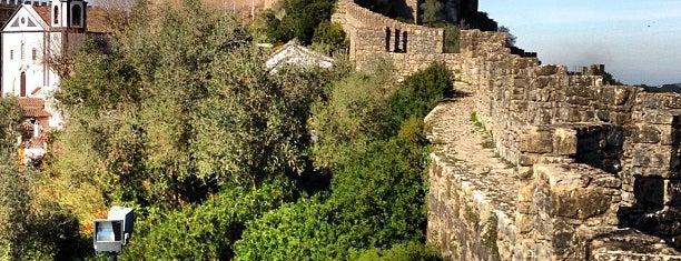 Castelo de Óbidos is one of Passear a pé.
