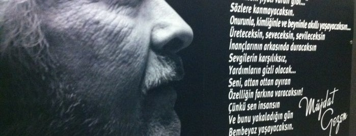Müjdat Gezen Sanat Merkezi is one of favori mekanlar.