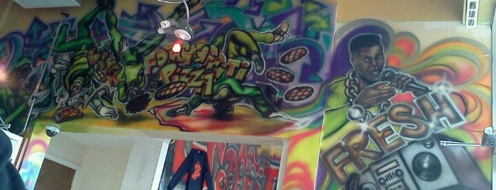 Graffiti Pizza is one of Must-visit Food in Chicago.