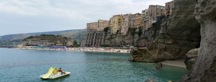 "Spiaggia ""Le Roccette"" is one of Neapol."