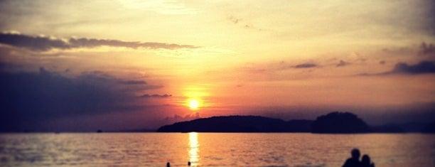 Nopparat Thara Beach is one of Krabi.