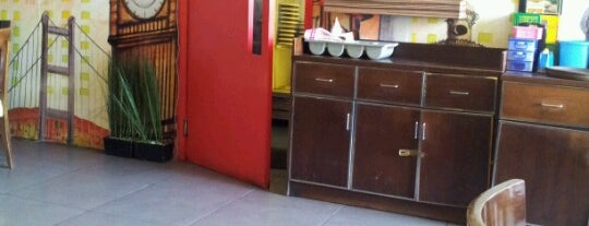 Papa Ron's Pizza is one of Top 10 dinner spots in semarang.