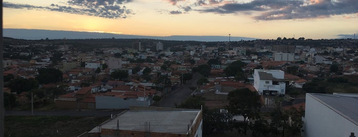 João Pinheiro is one of Cidades - Praias.