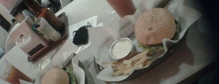 Yummerz Burger Bistro is one of Espana Eats.