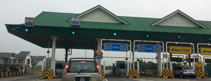 Kaunter Touch & Go Plaza Tol SKVE Saujana Putra is one of b.