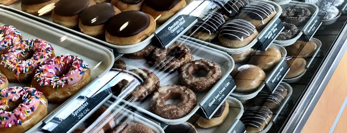 Krispy Kreme Doughnuts is one of The 15 Best Places for Pastries in Houston.