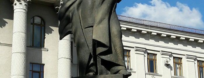 Пам'ятник Т. Г. Шевченку is one of Луцк.