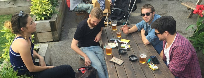 The Crooked Billet is one of London's Best Beer Gardens.