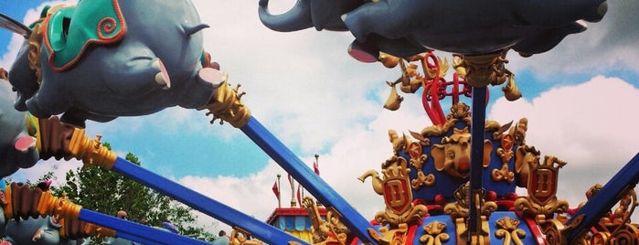 Dumbo The Flying Elephant is one of Magic Kingdom Guide by @bobaycock.