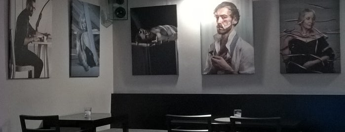 Efi Cafe Reduta is one of Cafés.