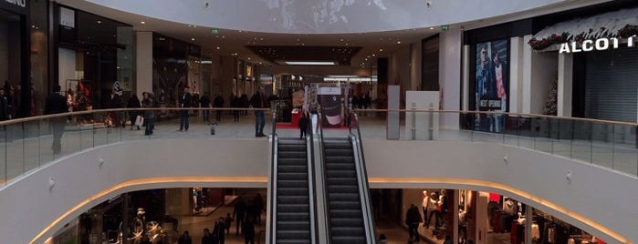 Tiare Shopping Centre is one of I miei luoghi.