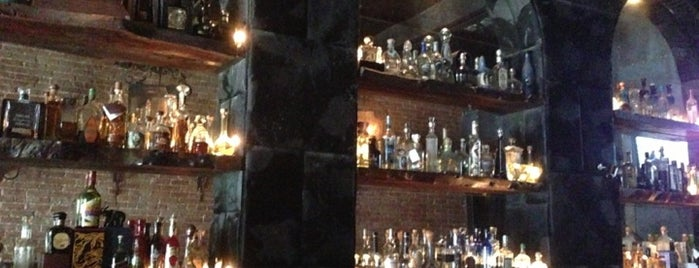 L'Scorpion is one of Must-visit Bars in Hollywood.