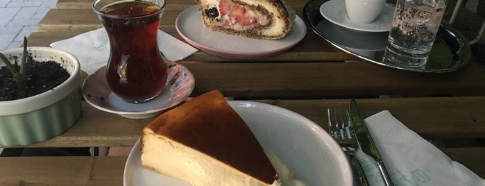 Cutie Cake is one of Istanbul.