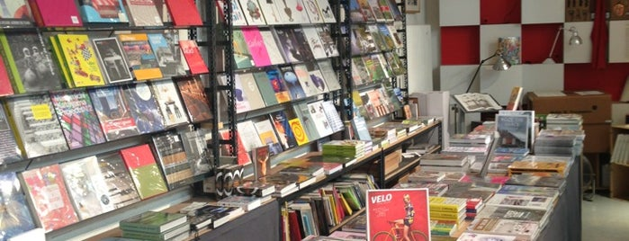 Artazart Design Bookstore is one of Париж.