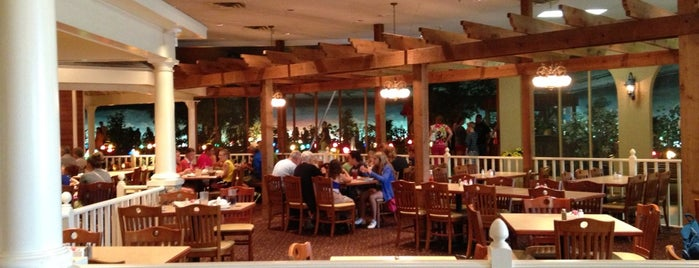 Grand Country Buffet is one of Places I End Up Frequently.