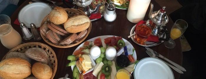 CAFÉ gestern, heute & morgen is one of Food & Fun - Berlin.