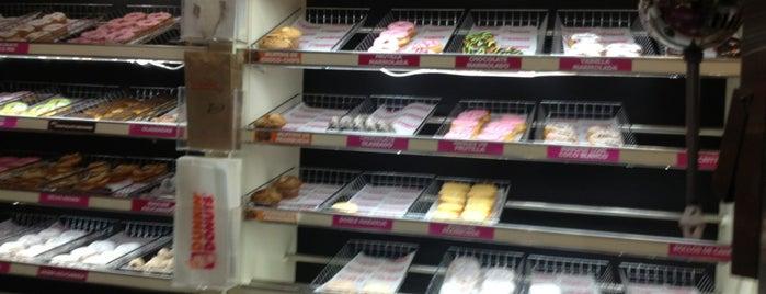 Dunkin' Donuts is one of comida e.e.