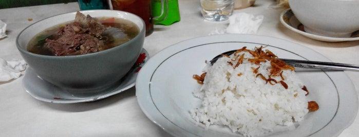 Nasi Uduk Betawi ( Bang Muchtar ) is one of Kuliner.
