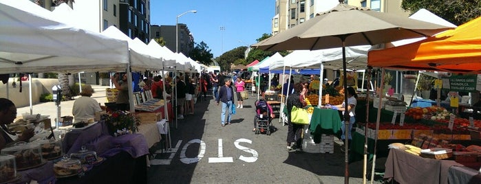 Fillmore Farmers' Market is one of The hood.