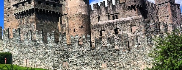 Castello di Fénis is one of IT places-culture-history.