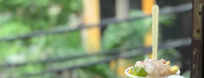 Sữa Chua Dẻo is one of Ăn vặt Hà Nội.