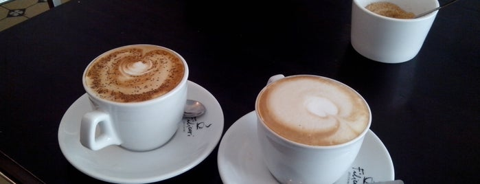 Café Tungsram is one of Favorite places in favourite cities..