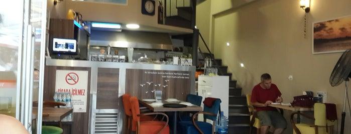 Kadıköy Cafe is one of URLA.