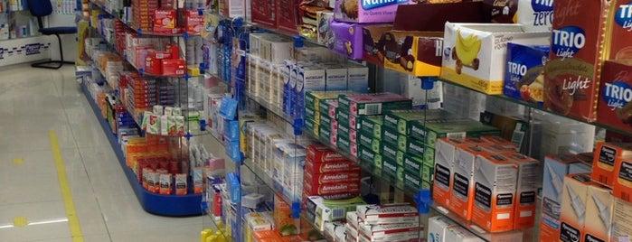 Farmácia Pague Menos is one of Farmácias/Hospitais.