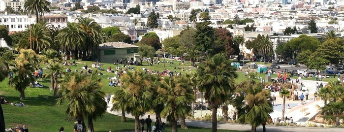 Mission Dolores Park is one of My Unequivocal Favorites.