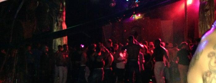 Club Mañana is one of Antros Gay.