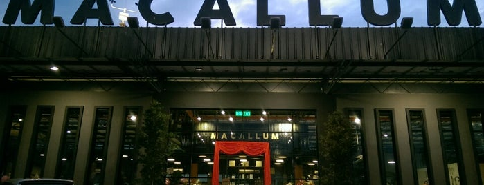 Macallum Connoisseurs Coffee Company is one of Cafe Hop PG.