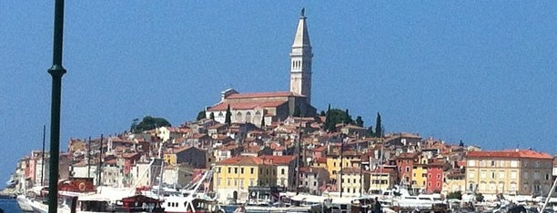 Rovinj Harbor is one of Expédition croate.