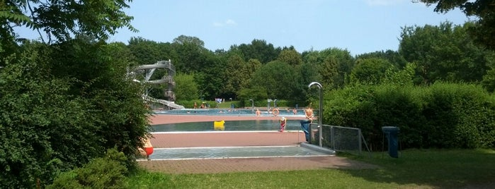 Sommerbad Pankow is one of Best sport places in Berlin.