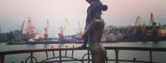 Жена моряка / Sailor's wife is one of Одесса.