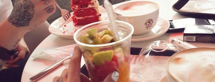 The Coffee Bean & Tea Leaf is one of Tifliss.