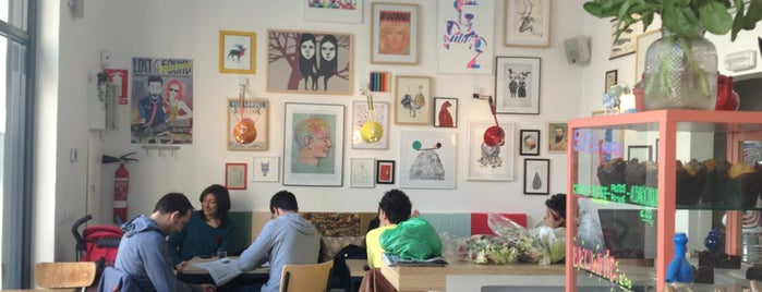 Café Cometa is one of Barcelona Hipster.