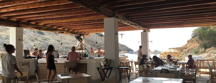 Restaurante Cala Molí is one of Ibiza.