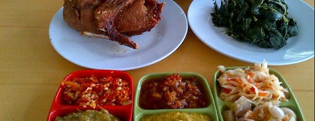 Bebek Goreng H. Slamet is one of Kuliner Wajib @Surabaya.