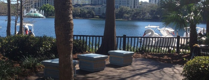 Relax Grill At Lake Eola is one of The 15 Best Places for Sunsets in Orlando.
